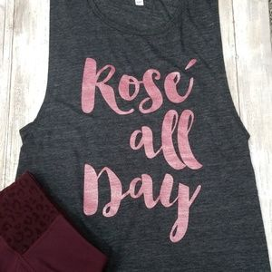 """BELLA """"Rose all Day"""" Sleeveless Muscle Tee Size L"""